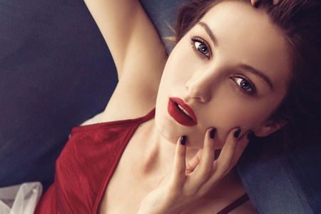 性感欧美美女红唇诱惑写真桌面壁纸