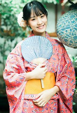 精选爱笑的日本和服女孩图片大全赏析