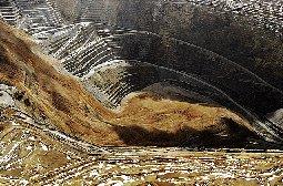 人造天坑宾汉姆峡谷铜矿坑高清图片