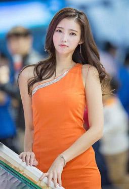 韩国美女车模金宝拉高清养眼图片