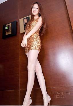 极品丝袜模特Vicni撩人美腿写真图片