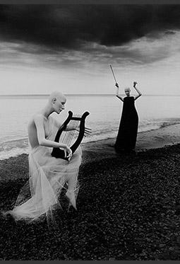 欧美黑白色创意人体摄影图片欣赏