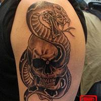 手臂超前卫的炫酷蛇纹身图案大全