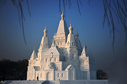 摄影手工打造的雪塑建筑奇趣图片